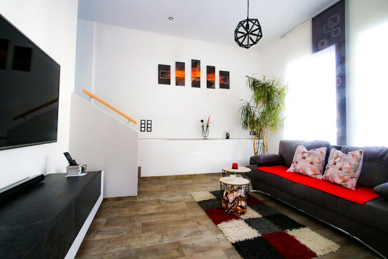 Das Sofa kann umgebaut werden